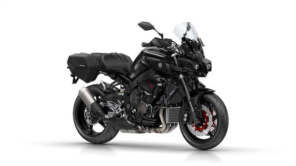 2017-Yamaha-MT10TE-EU-Tech_Black-Studio-001-03_Mobile.jpg