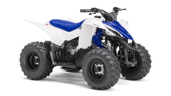 2017-Yamaha-YFZ50-EU-Racing_Blue-Studio-001-03_Mobile.jpg