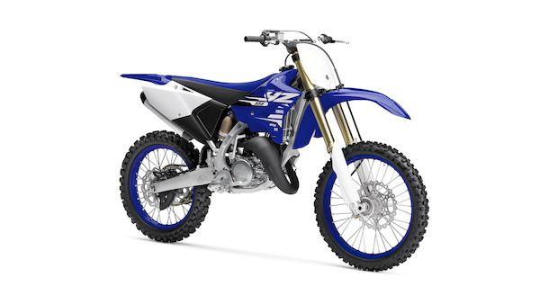 2018-Yamaha-YZ125LC-EU-Racing_Blue-Studio-001-03_Mobile-1.jpg