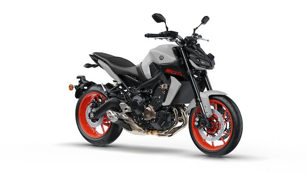 2019-Yamaha-MT09-EU-Ice_Fluo-Studio-001-03_Mobile-1.jpg
