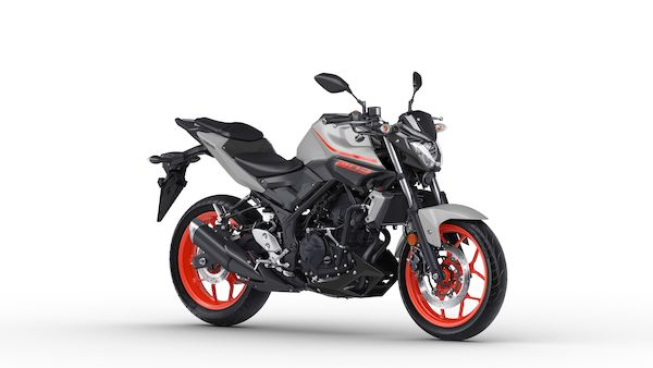 2019-Yamaha-MT320-EU-Ice_Fluo-Studio-001-03_Mobile.jpg